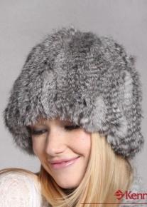 Пышная теплая шапка