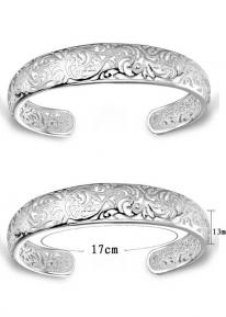 Изящный серебристый браслет