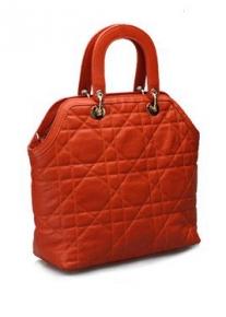 Стеганая сумка из натуральной кожи