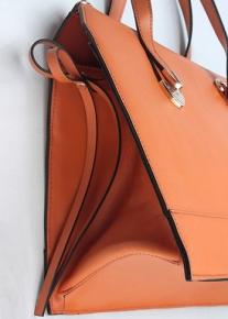 Актуальная качественная сумка из натуральной кожи