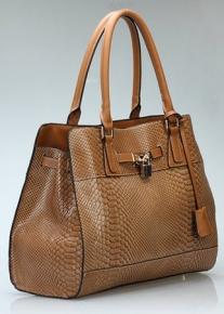 Лакированная кожаная сумка с тиснением под рептилию
