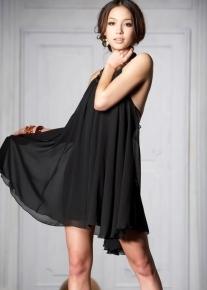 Платье с открытой спиной и ассиметричным подолом