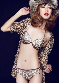 Леопардовое бикини с эффектным жакетом