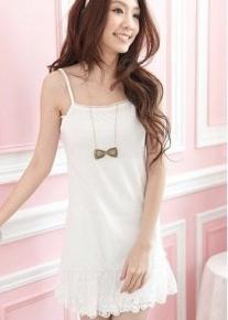 Нежное платье с кружевом