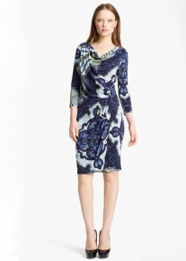 Платье с эффектным орнаментом и красивой драпировкой Emilio Pucci