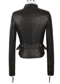 Приталенная куртка декорированная ремешками
