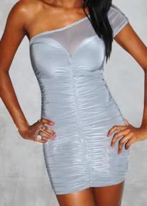 Эффектное серое платье на одно плечо