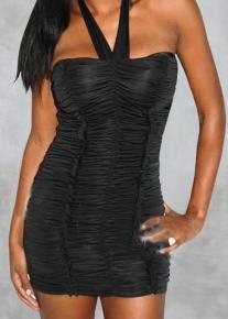 Черное платье со сборками и пуш-ап эффектом