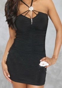 Модное платье со сборками и украшением