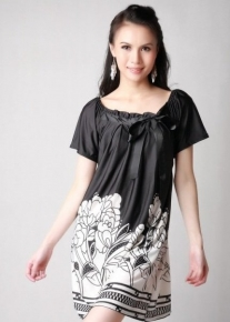 Красивое платье с цветами