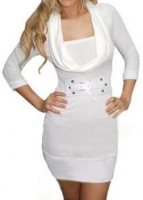 Белое платье с широким воротом