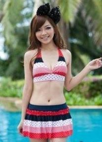 Красивый купальный комплект с юбочкой