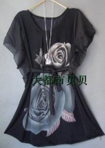 Легкая шифоновая туника с розой