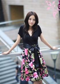 Красивое платье с поясом-бантом