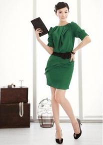 Деловое платье  с розочками