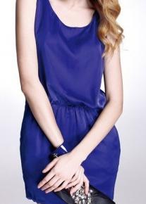Легкое летнее платье с эффектной завязкой - бантом на талии