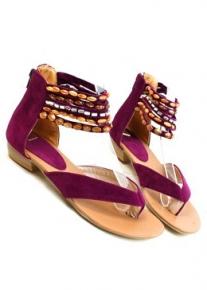 Красивые замшевые сандалии