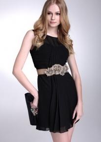 Эффектное платье со сборками и фронтальной плиссировкой