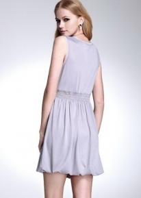 Летнее платье со сборками и юбкой - колокольчиком