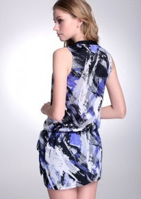 Стильное абстрактное платье свободного кроя
