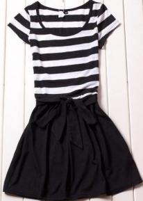 Черно-белое платье  с бантиком