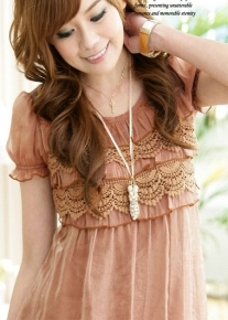 Романтичное платье с кружевом