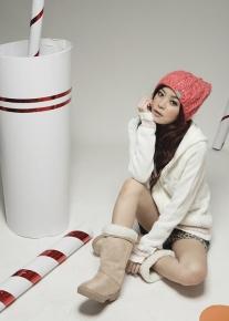 Джемпер на молнии с капюшоном и вязанными узорами