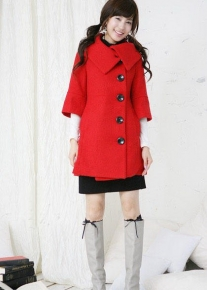 Пальто с широким воротом и рукавами в три четверти