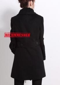 Двубортное пальто с расширяющимися рукавами