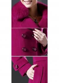 Двубортное пальто с воротником из лисьего меха