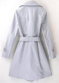 Двубортное пальто с широким воротником