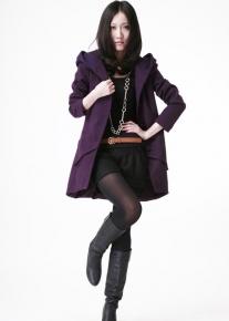 Пальто с капюшоном и ромбическими карманами