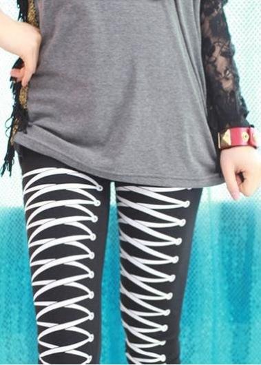 Леггинсы с рисованной шнуровкой